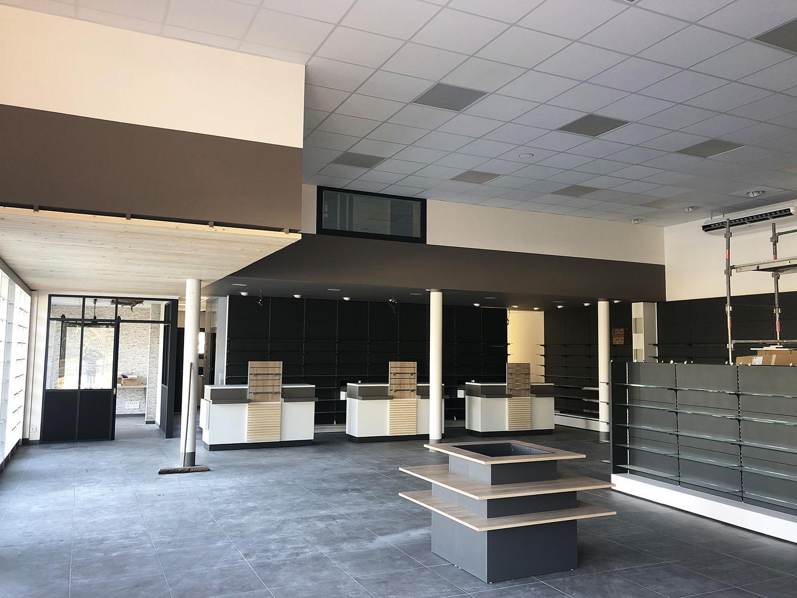 Neuf et rénovation, travaux de plâtrerie, isolation et peinture dans le Perigord : Ici, la pharmacie de Bassillac